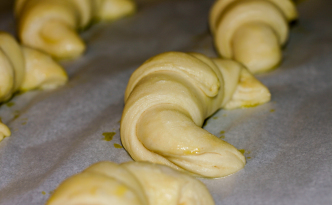 uncooked croissants